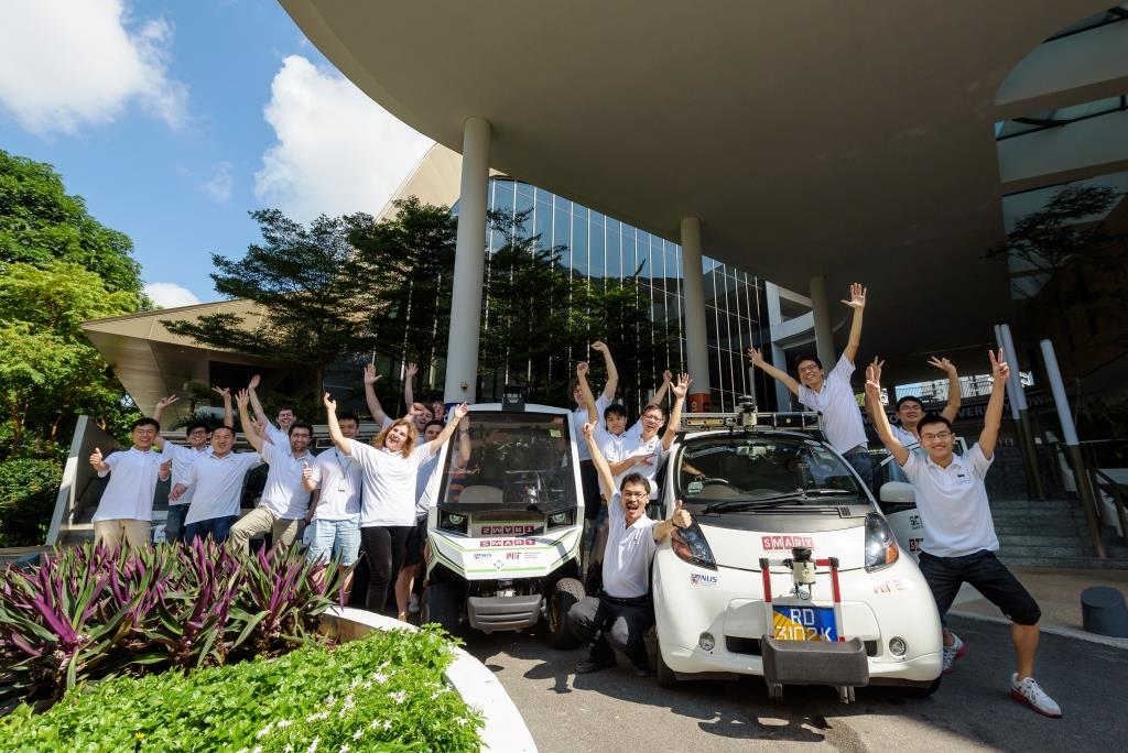 The Autonomous Vehicle team at SMART